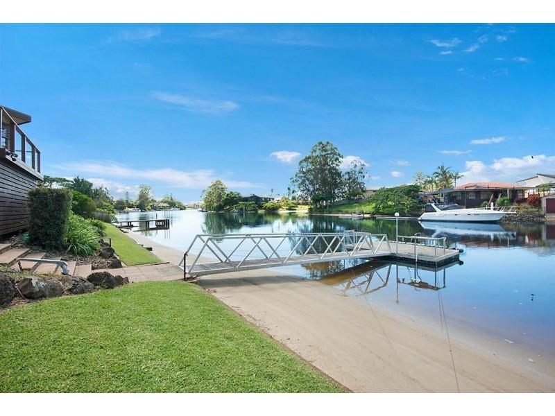 19 River Crescent, Broadbeach Waters QLD 4218
