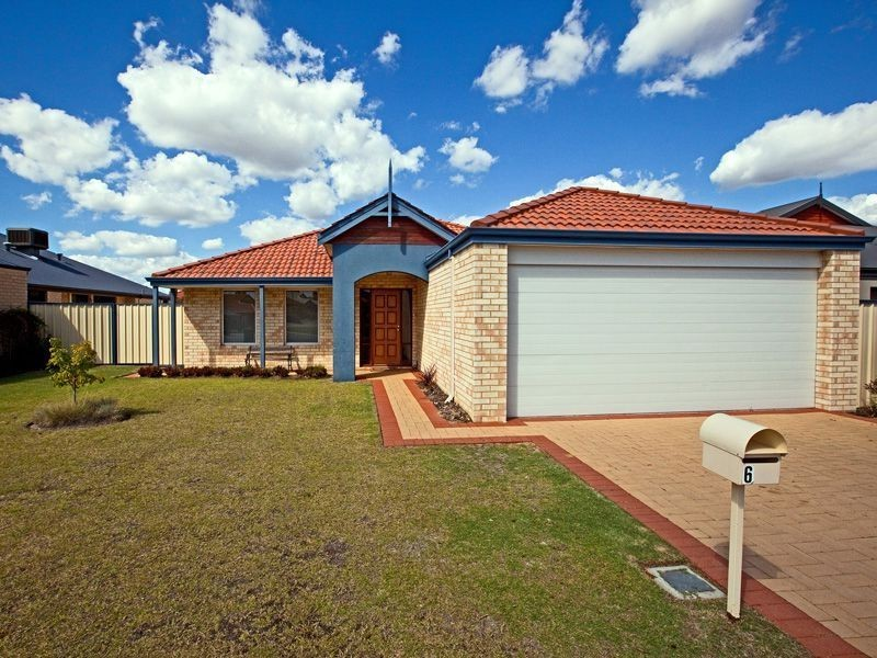 6 Montgomery Drive, Success WA 6164