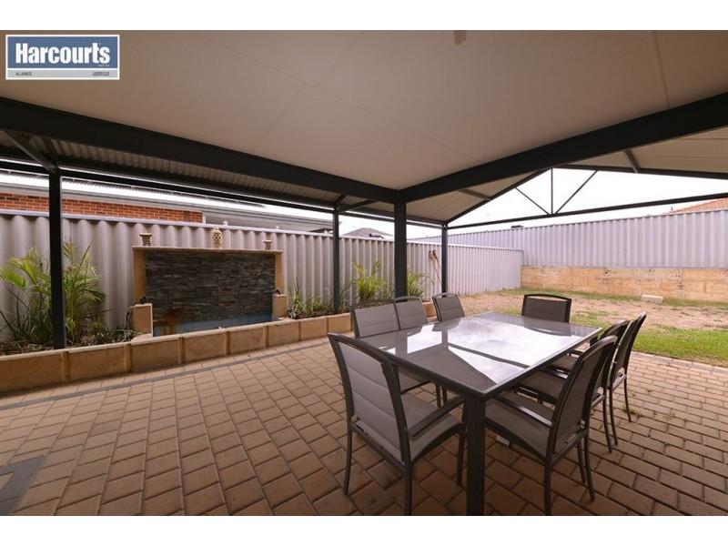22 Ornata Bend, Banksia Grove WA 6031