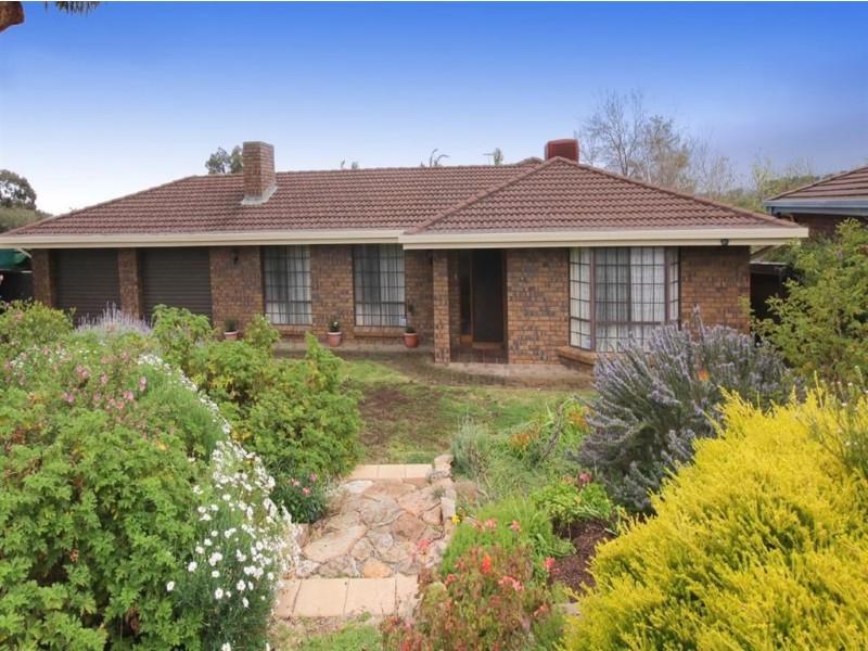 41 Oakridge Road, Aberfoyle Park SA 5159