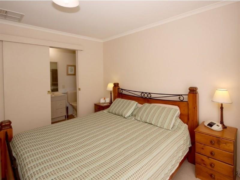9 Gleneagles Road, Aberfoyle Park SA 5159
