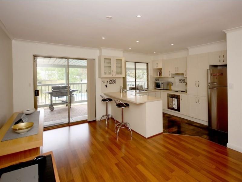 11 Marienberg Rise, Aberfoyle Park SA 5159