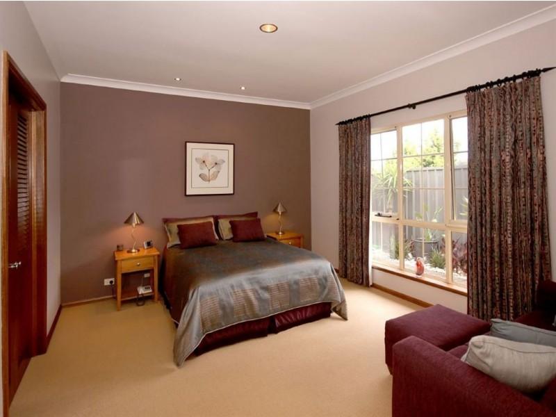 24 Gleneagles Road, Aberfoyle Park SA 5159