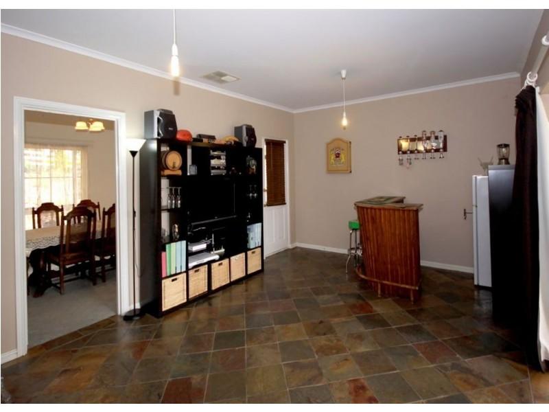 73 Oakridge Road, Aberfoyle Park SA 5159