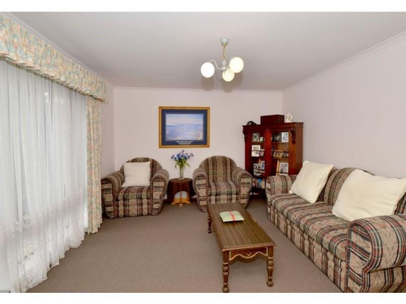 5 Jeanette Crescent, Aberfoyle Park SA 5159