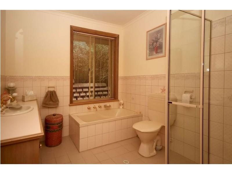 13 Woodland Grove, Aberfoyle Park SA 5159