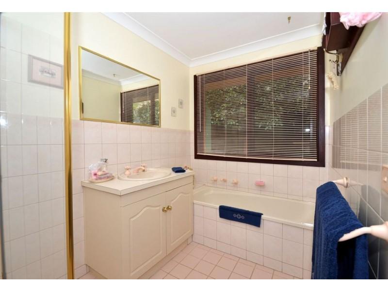 11 St Vincent Close, Aberfoyle Park SA 5159