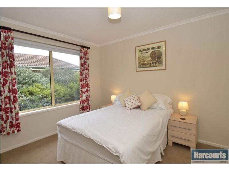19 Gleneagles Road, Aberfoyle Park SA 5159