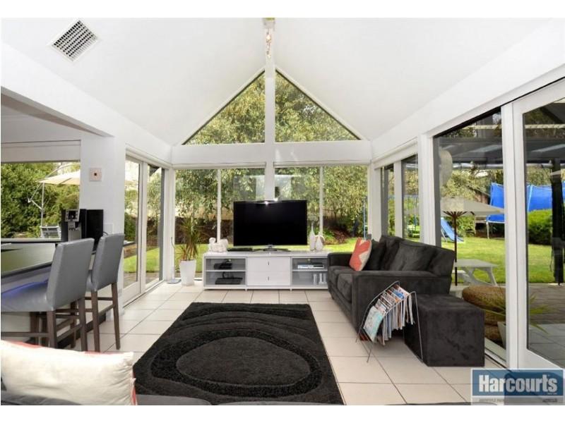 12 Heatherwood Drive, Aberfoyle Park SA 5159