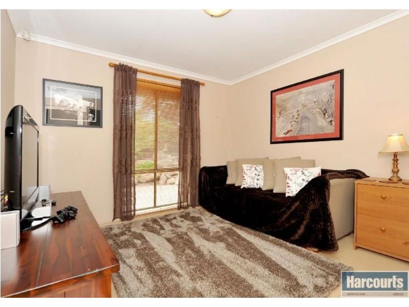 50 Oakridge Road, Aberfoyle Park SA 5159
