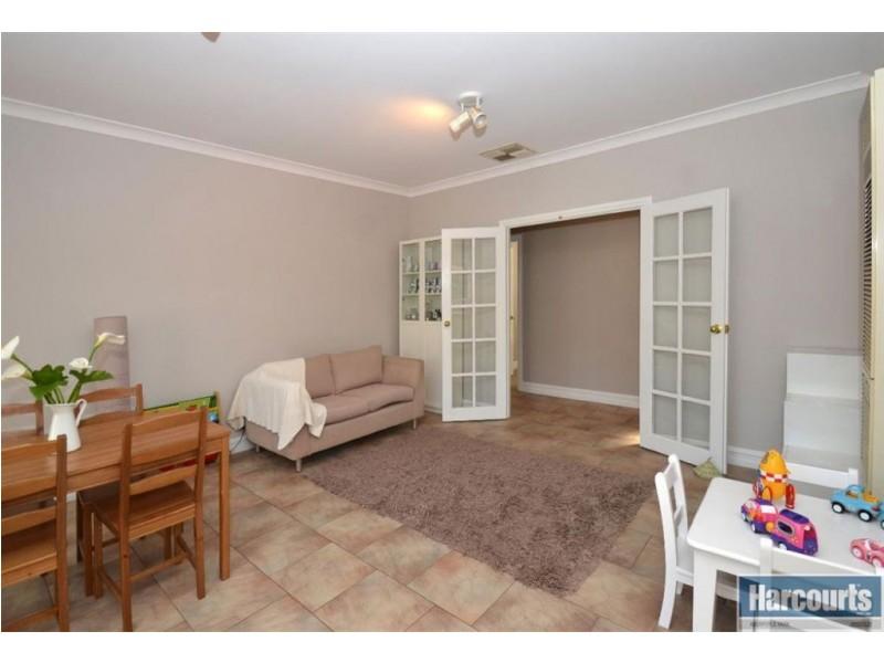 37 Dunalbyn Drive, Aberfoyle Park SA 5159