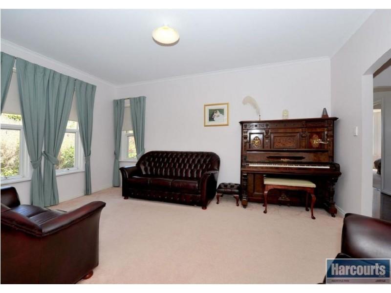 15 Argyle Close, Aberfoyle Park SA 5159