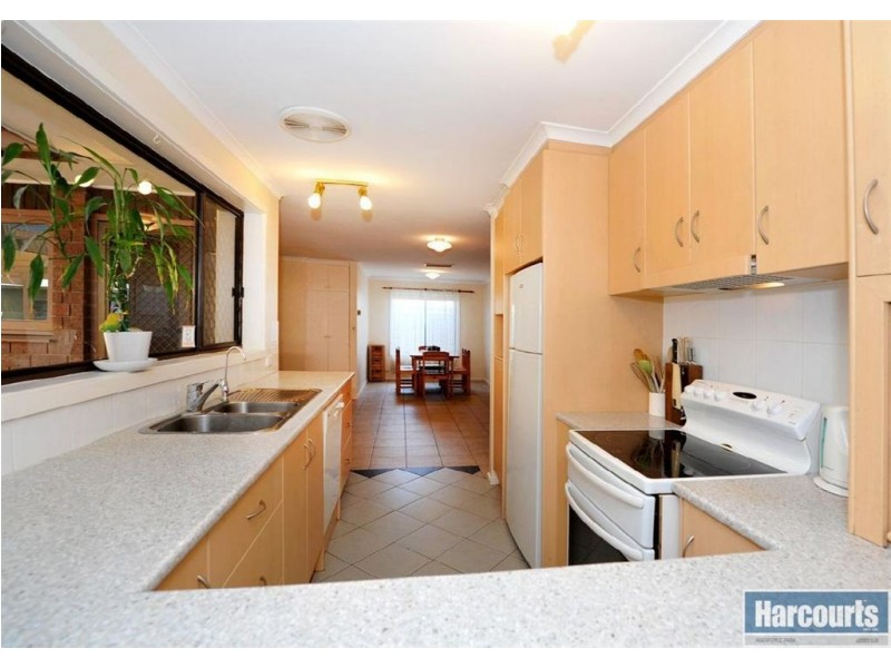 28 Hamilton Crescent, Aberfoyle Park SA 5159