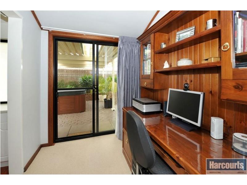 1 Bruce Street, Aberfoyle Park SA 5159