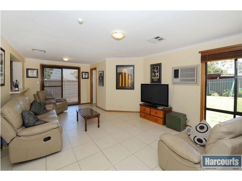 31 Pine Drive, Aberfoyle Park SA 5159