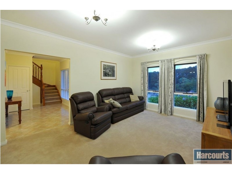 4 Coachwood Drive, Aberfoyle Park SA 5159
