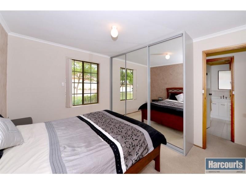 14 Santana Court, Aberfoyle Park SA 5159
