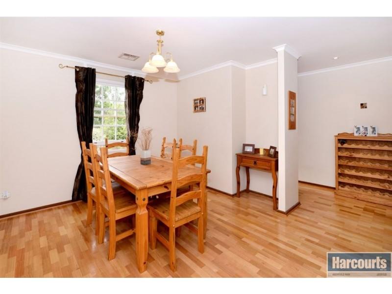 8 Redgum Place, Aberfoyle Park SA 5159