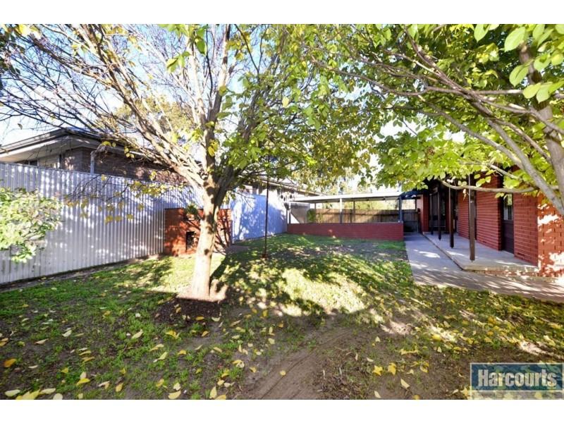 67 Taylors Road, Aberfoyle Park SA 5159
