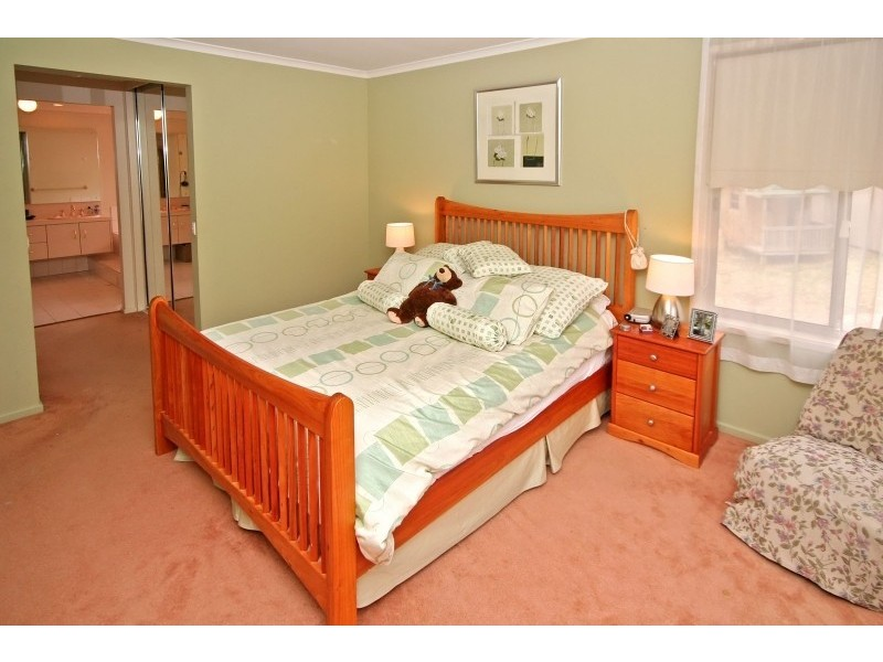 8 Woodland Grove, Aberfoyle Park SA 5159