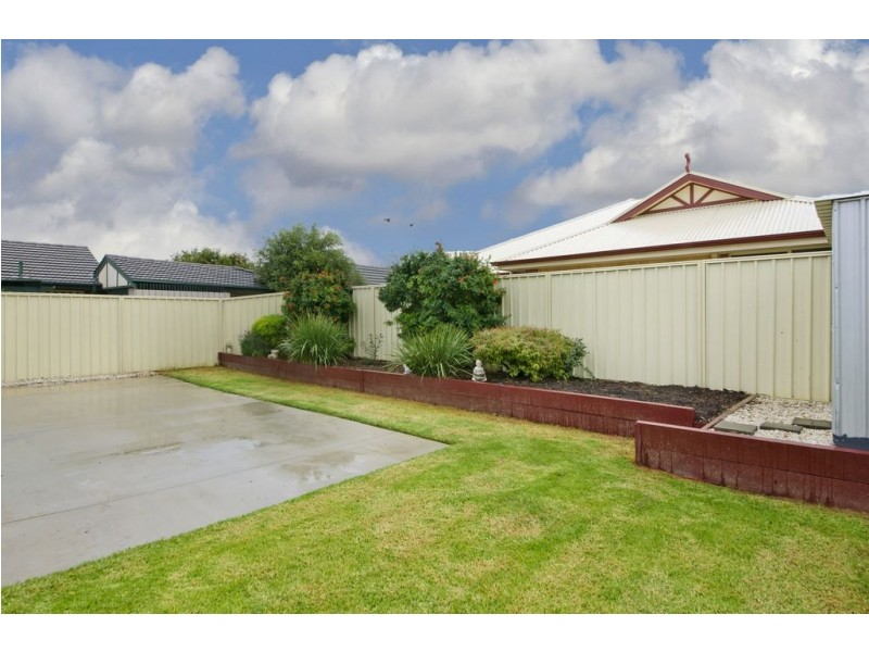 15 Fourth Ave, Ascot Park SA 5043