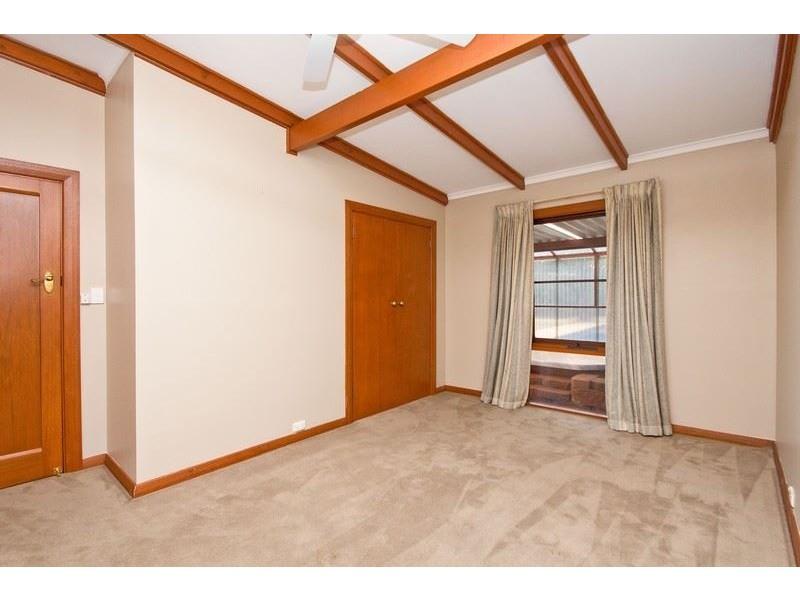 24 Thomas Street, Clarence Gardens SA 5039