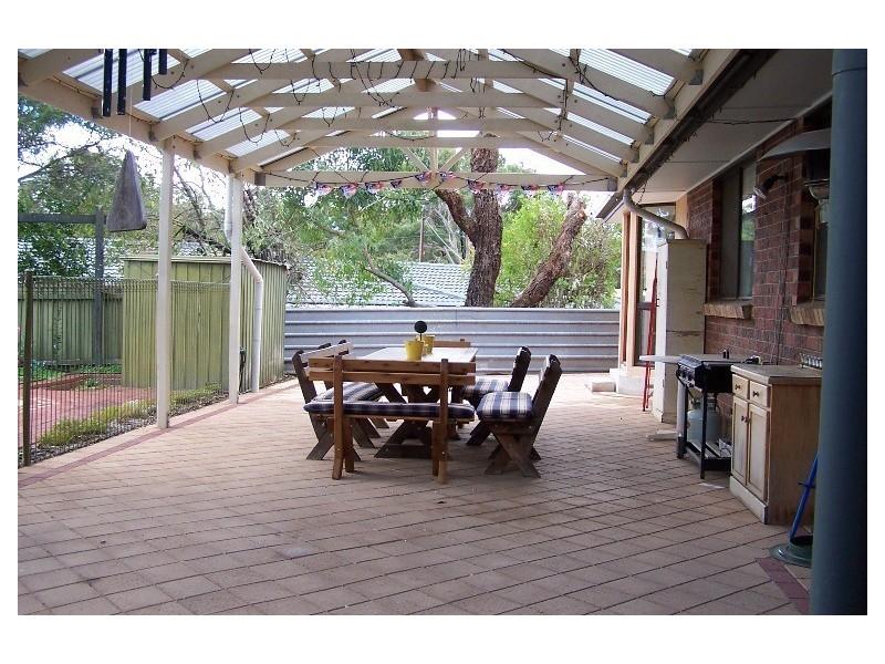 2 Berlin Terrace, Aberfoyle Park SA 5159