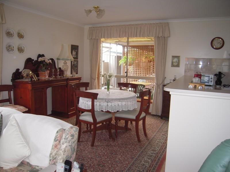 44 Jeanette Crescent, Aberfoyle Park SA 5159