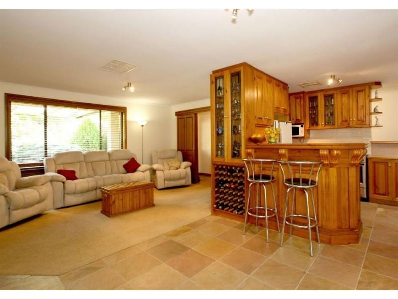 12 Woodlea Drive, Aberfoyle Park SA 5159