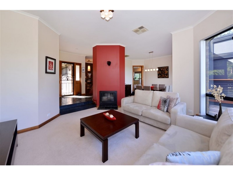 10 Gwendoline Court, Coromandel Valley SA 5051