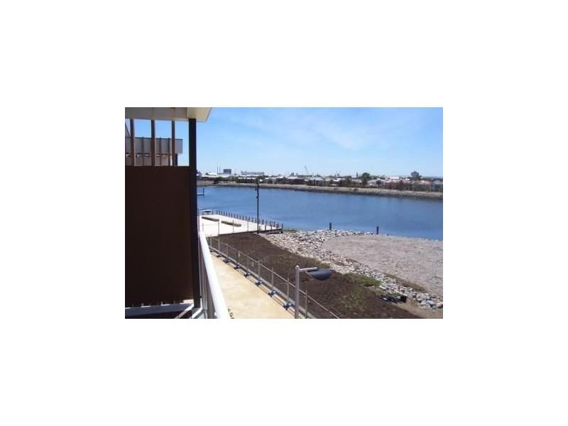 20 Yao Cove, New Port SA 5015