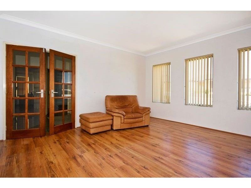 10 Astroloma Drive, Success WA 6164