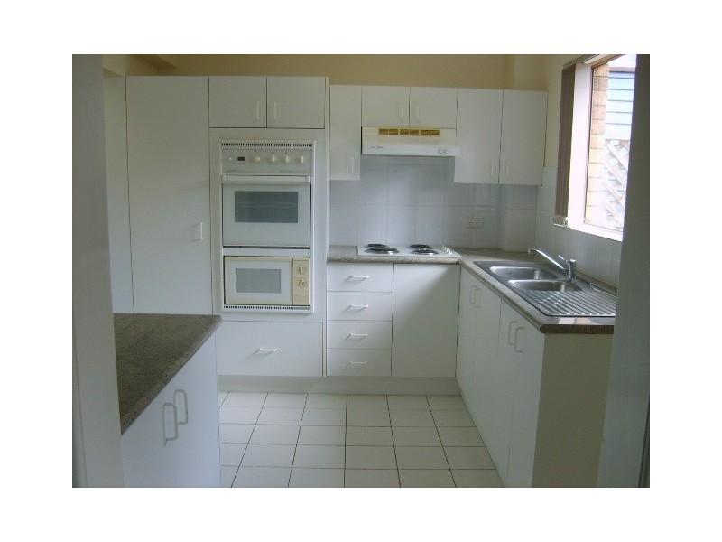 2/10 Denman St, Alderley QLD 4051