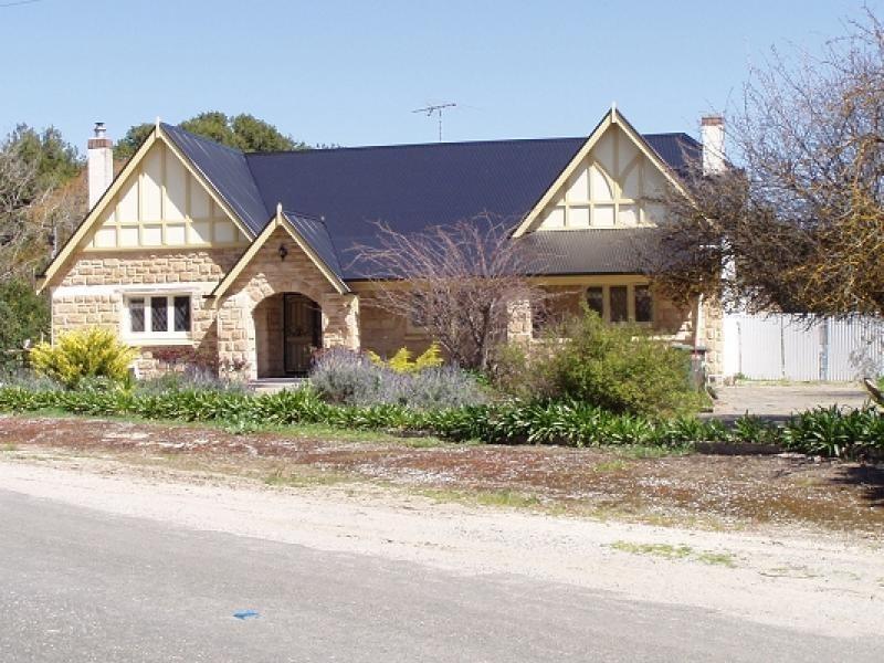 8 Railway Terrace, Freeling SA 5372