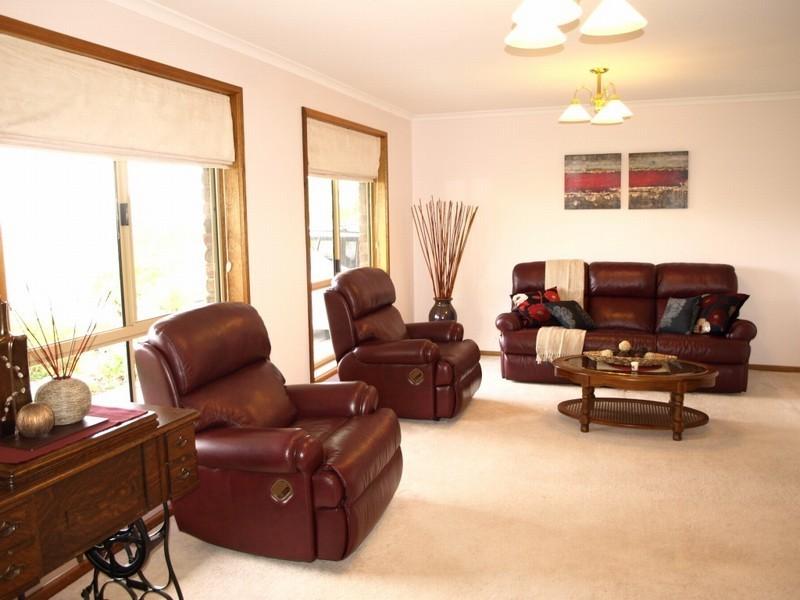 9 Anita Court, Aberfoyle Park SA 5159