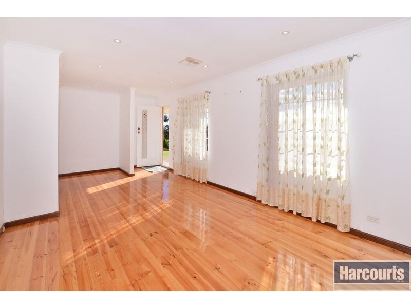 5 Warawee Place, Hallett Cove SA 5158