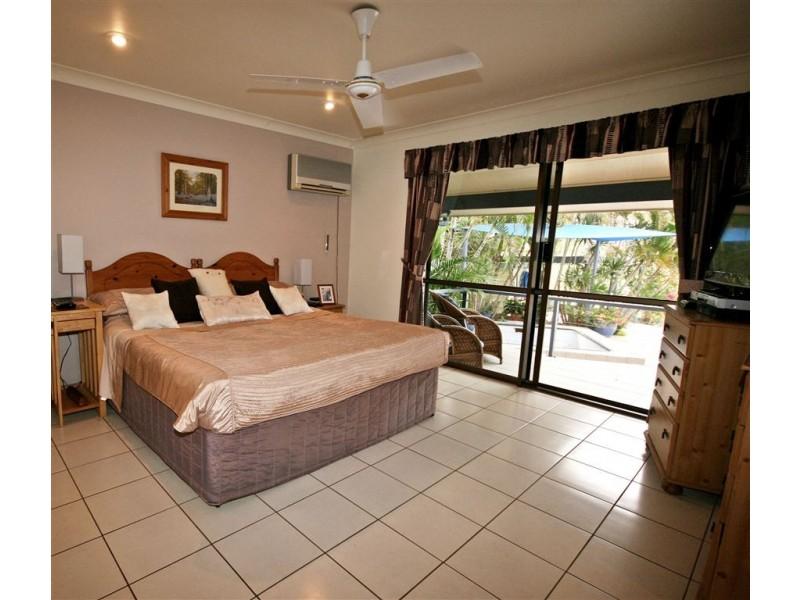 261 Paluma Road, Cannonvale QLD 4802