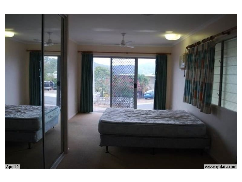 2 Simmons Street, Airlie Beach QLD 4802