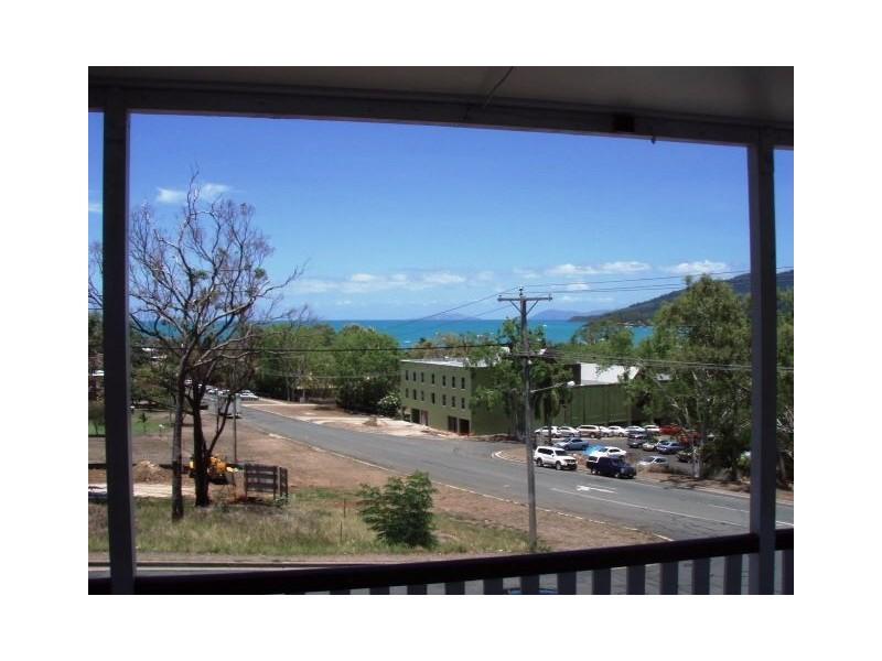 18 Orana Street, Airlie Beach QLD 4802