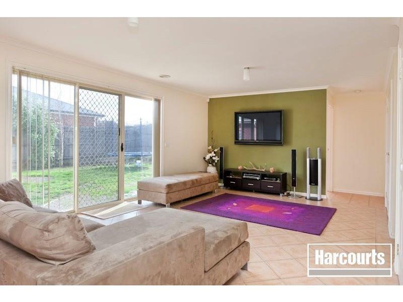 42 Tantallon Blvd, Beaconsfield VIC 3807