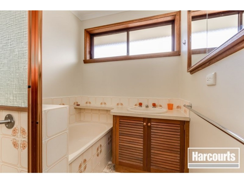 2/14 Russell Street, Cranbourne VIC 3977