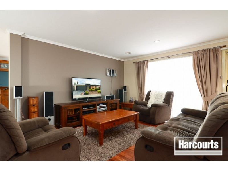 8 Falmouth Road, Narre Warren South VIC 3805