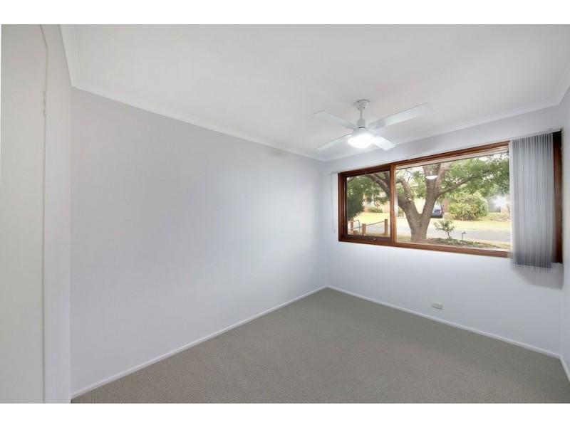 1 Wegg Place, Ambarvale NSW 2560