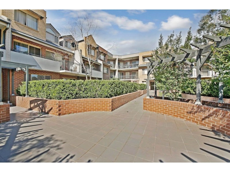 6/41 Woodhouse Drive, Ambarvale NSW 2560