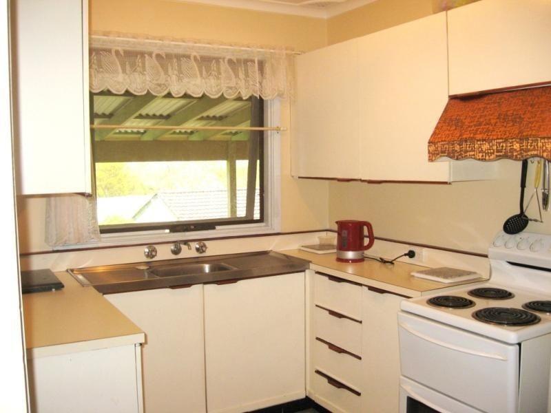 15 PEGGOTTY AVENUE, Ambarvale NSW 2560