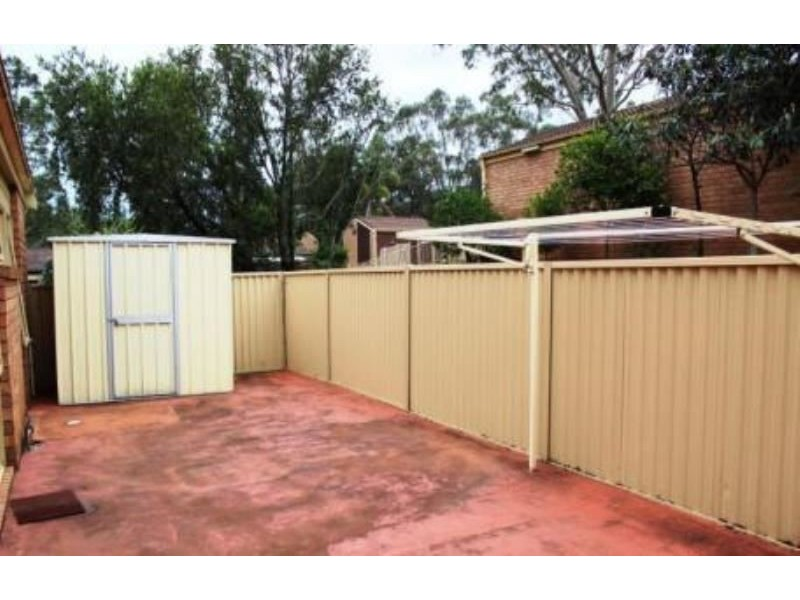 3/42 Woodhouse Drive, Ambarvale NSW 2560