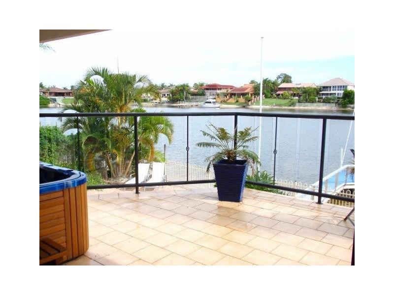 20 Delungra Street, Broadbeach Waters QLD 4218