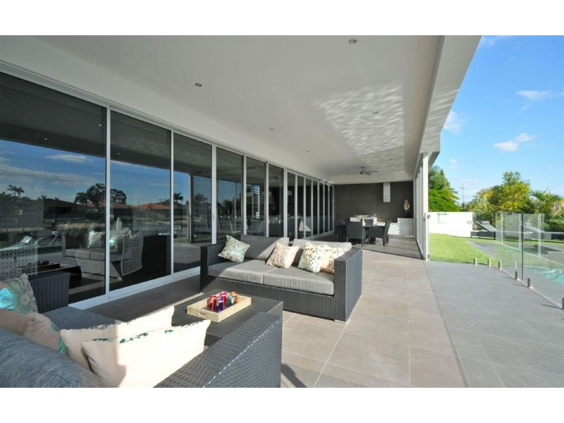 85 T E Peters Drive, Broadbeach Waters QLD 4218