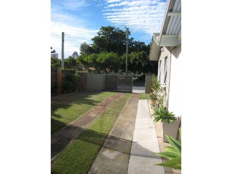 3 Allambi Avenue, Broadbeach Waters QLD 4218