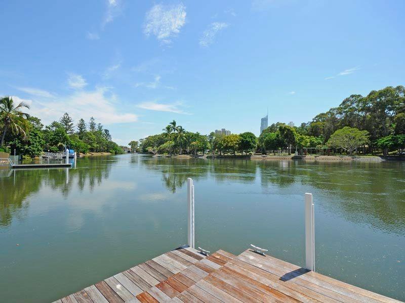82-84 Savoy Drive, Broadbeach Waters QLD 4218